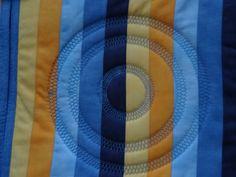 Muster mit Kreisstickapparat Quilts, Blanket, Blog, Potholders, Christmas Presents, Patterns, Quilt Sets, Blogging, Blankets