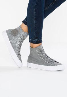413889dd9f1a Converse Chuck Taylor Bugs Bunny Men Women Footwear High Of  Multicolor White Black - UK Huge Savings