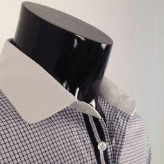 Peter pan collar.