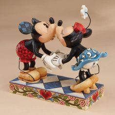 Looking for Disney Traditions Jim Shore Mickey Mouse Kissing Minnie Stone Resin Figurine, ? Check out our picks for the Disney Traditions Jim Shore Mickey Mouse Kissing Minnie Stone Resin Figurine, from the popular stores - all in one. Mickey And Minnie Kissing, Minnie Y Mickey Mouse, Theme Mickey, Mickey Love, Mickey And Friends, Hades Disney, Walt Disney, Disney Gift, Disney Mickey