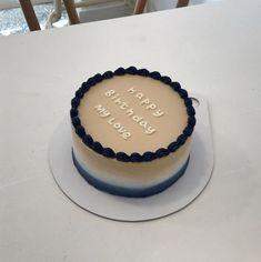 Pretty Birthday Cakes, Pretty Cakes, Mini Cakes, Cupcake Cakes, Simple Cake Designs, Simple Cakes, Korean Cake, Pastel Cakes, Birthday Cake Decorating