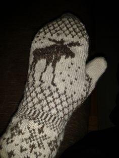 Anette L syr och skapar: Årstidsdjur? Crochet Cross, Knit Crochet, Knit Mittens, Cross Stitch, Sewing, Knitting, Hooks, Punto De Cruz, Dressmaking