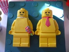 lego bride and groom figures   Lego Bride and Groom Pinata Cake! Cake by hellobabycakes