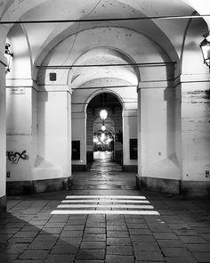 #Torino #Turin #Centro #urbansafari #seemycity #igerstorino #night #lights #shadows