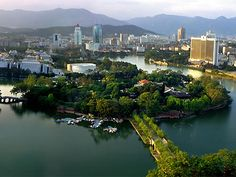 West Lake Park, one of the 'top 10 attractions in Fuzhou, China' by China.org.cn.