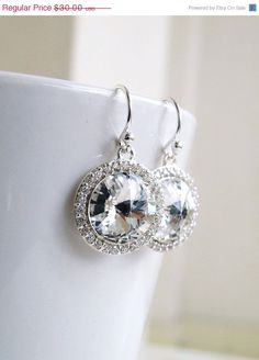 Hey, I found this really awesome Etsy listing at https://www.etsy.com/listing/102199370/35-off-swarovski-crystal-earrings-rivoli