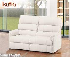 El sofá Katia de HOME es un modelo de diseño moderno, diseñado especialmente para ofrecer máxima comodidad en mínimo espacio. Si elige la opción relax ganará en confort. Está disponible en 2 plazas (132 cm), 3 plazas (172 cm), un conjunto 3+2 (formado por un modelo 2 plazas y un modelo 3 plazas), 2 plazas relax (132 cm), 3 plazas relax (172 cm),  3 plazas relax con 3 asientos (190 cm) y sillón relax (77 cm).