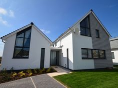 Golf View, 4-bed with hot tub, Westwood Ho, Devon