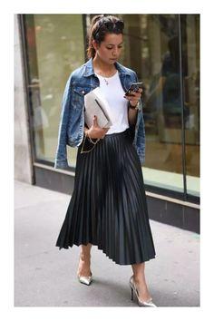 5 tipos de faldas que son imprescindibles en tu armario  TiZKKAmoda  Tshirt   blanca 6e6df85d7a3e