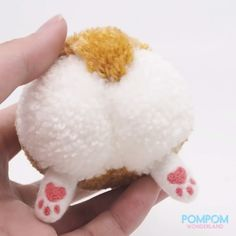 Do you think that there's nothing better than a Corgi butt? In this tutorial, I will be showing you how to make an adorable fluffy Corgi butt with a pompom &. Pom Pom Crafts, Yarn Crafts, Decor Crafts, Sewing Crafts, Sewing Projects, Homemade Stuffed Animals, Yarn Animals, Crochet Classes, How To Make A Pom Pom