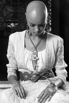 Josiane J. Alves to Funcadi - Zuzu Angel - Brecho Minha avo tinha.Sustentabilidade 2012 - bald / model / fashion / moda / careca / modelo / pride