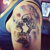 Wall-e and Eve watercolor tattoo, Disney Tattoo Elias & Evelyn - Today Pin Feather Tattoos, Leg Tattoos, Body Art Tattoos, Small Tattoos, Tattoos For Guys, Tattoos For Women, Mermaid Tattoos, Tattoo Drawings, Disney Tattoos
