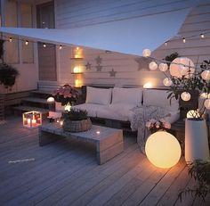 Indoor Gardening Quick, Clean Up, And Pesticide Free - Make Your Own Terrasse Inspiration and Design Outdoor Spaces, Outdoor Living, Outdoor Decor, Balkon Design, Deck Lighting, Lighting Ideas, Patio Makeover, Balcony Garden, Terrace