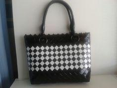 Black white Kate Spade, Diy Crafts, Shoulder Bag, Magazine, Handbags, Black And White, Craft, Purses, Paper Envelopes