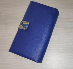 Compagnon Complice en simili bleu et coton jaune et noir cousu par La passion d'Anais - Patron Sacôtin