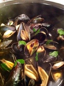 How to Cook Fresh Mussels | Recipes by Victoria