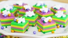 Show your beads off with green, gold and purple layered shots and pearl candy beads.