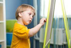 La ginnastica cerebrale per bambini è l'ideale per alternare le attività statiche con lo sviluppo dei due emisferi cerebrali, attraverso le abilità linguistiche, il calcolo matematico e il pensiero simbolico.