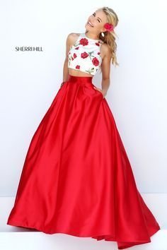 Sherri Hill dresses are designer gowns for television and film stars. Find out why her prom dresses and couture dresses are the choice of young Hollywood. Grad Dresses, Dance Dresses, Homecoming Dresses, Dress Outfits, Prom Dress, Dresses 2016, Gown Dress, Elegant Dresses, Pretty Dresses