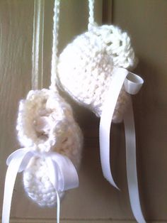 Crochet Baby Booties - FREE PATTERN available on Ravelry