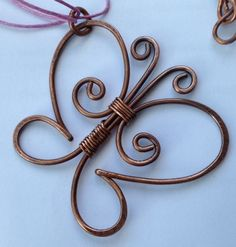 Pillangó lánc, Ékszer, óra, Nyaklánc, Karkötő, Fülbevaló, Antikolt vörösréz drótból készült, a forma és az anyag szépségét szerettem volna h...