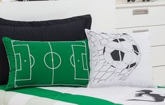 Funky Bedroom, Kids Bedroom, Soccer Bedroom, Football Rooms, Game Room Basement, Big Boy Bedrooms, Soccer Boys, Bedroom Themes, Upholstered Chairs