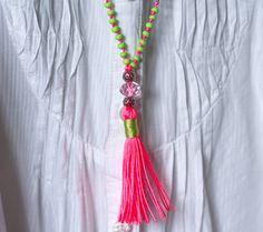 Ketten mittellang - Bunte Kette mit Anhänger - ein Designerstück von lady_chaos bei DaWanda
