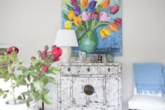 Colorfull painting spices up the space Floating Nightstand, Spice Things Up, Spices, Table, Painting, Furniture, Home Decor, Texture, Floating Headboard