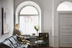 Kapellgränd 6 F Stockholm, Interior Stylist, Interior Design, Round Sofa, Walk In, Arched Windows, Parquet Flooring, Concrete Countertops, Beautiful Bathrooms