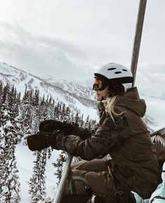 Mouintain soul gone skiing Snowboard 🏂 Mode Au Ski, Winter Instagram, Instagram Travel, Instagram Posts, Vail Colorado, Skiing Colorado, Ski Season, Winter Photography, Fashion Photography