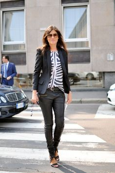 Love a tribal/animal print top with black and big sunnies. Emmanuelle Alt. #flawless