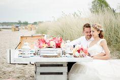 Beach Wedding Table  - Im Hochzeitsfieber and Christina Eduard Photography
