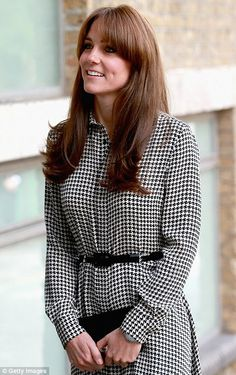 Kate Middleton resumes royal duties after birth of Princess Charlotte #dailymail