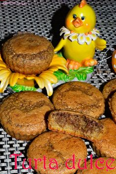 Turta dulce - RETETE DUKAN Dukan Diet, Cupcake Cookies, Cupcakes, Food And Drink, Vegetarian, Breakfast, Sweets, Recipies, Morning Coffee