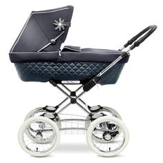 The Sleepover pram from Silver Cross features a beautiful quilted leatherette outer fabric for a classically stylish look.