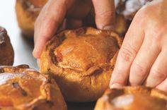 The 20 best British bakes - Steak and ale pie - goodtoknow Uk Recipes, Baking Recipes, Great Recipes, Pastry Recipes, Curry Recipes, Melton Mowbray Pork Pie, Pork Pie Recipe, British Baking Show Recipes, Scottish Recipes