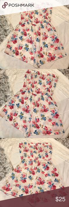 FOREVER 21 Floral 2 pocket strapless romper  Size: Small Forever 21 Strapless Floral Summer Romper.  Front has 2 pockets. 100% Polyester. Condition is just like new Forever 21 Other