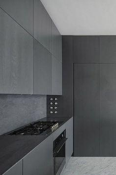 Black kitchen: Charcoal Kitchen, Modern Kitchen D Grey Kitchen Cabinets, Kitchen Cabinet Design, Modern Kitchen Design, Interior Design Kitchen, Kitchen Designs, Kitchen Dinning, Kitchen Decor, Dining, Kitchen Ideas