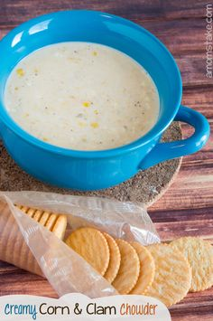 Weight Watchers recipe -- Creamy corn and clam chowder! Easy dinner under 30 minutes by #amomstake