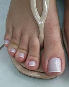 21 Modelos de Unhas com Francesinha em Cores Sortidas Toe Nail Color, Toe Nail Art, Nail Colors, Acrylic Nails, French Pedicure, French Nails, Pretty Toes, Pretty Nails, Nails Polish