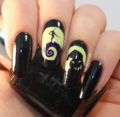 Halloween Nail Art Der Albtraum vor Weihnachten (The Mani Café) Disney Nails Halloween Nail Designs, Halloween Nail Art, Halloween Movies, Easy Halloween, Christmas Nail Art, Holiday Nails, Christmas Christmas, Simple Nail Designs, Nail Art Designs