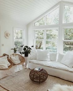Nice 48 Stunning White Living Room Ideas For Home. : Nice 48 Stunning White Living Room Ideas For Home. Home Living Room, Living Room Designs, Living Room Decor, Living Spaces, Ideas Hogar, Home And Deco, Minimalist Living, My New Room, White Walls