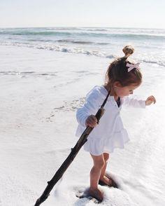 Little beach explorer