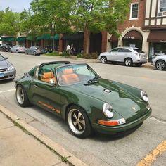 Pretty Cars, Cute Cars, Classy Cars, Sexy Cars, Old Vintage Cars, Old Cars, My Dream Car, Dream Cars, Car Goals