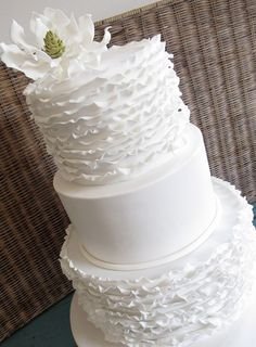 If you ask me what cake design is the cutest one, I'd say – ruffled! Ruffled cakes are the most romantic and beautiful ones for every type of wedding, such a cake not only looks as a masterpiece but also tastes the same! Ruffles can be of any color. White Cakes, White Wedding Cakes, Unique Wedding Cakes, Wedding Cake Designs, Gorgeous Cakes, Pretty Cakes, Amazing Cakes, Fondant, Wedding Cake Inspiration
