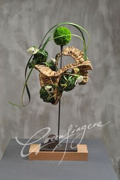 Contemporary Flower Arrangements, Creative Flower Arrangements, Ikebana Arrangements, Art Floral, Floral Artwork, Floral Design, Flower Show, Flower Art, Flower Installation