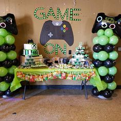 Leticia Ortiz added a photo of their purchase 13th Birthday Parties, 14th Birthday, Birthday Games, Birthday Party Decorations, Video Game Party, Party Games, Xbox Party, Teenager Birthday, Birthday Cookies