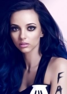 Jade Thirlwall I think she is really beautiful in this pic! Jade Little Mix, Little Mix Jesy, Types Of Hair Color, Jade Amelia Thirlwall, Jesy Nelson, Perrie Edwards, Girl Bands, Blue Hair, Pretty Hairstyles