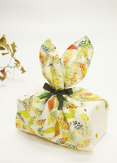 Leaf road (S) – A gift wrapping is eco wrapping with Furoshiki