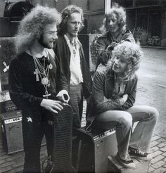 King Crimson.PinIt : Anónimo de Piedra